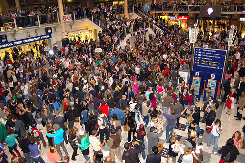 Mobile Clubbing Flashmob Takes Over Liverpool Street