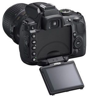 Nikon D5000 DSLR Packs Swivel Screen And HD Movie Recording