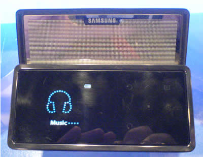 YP-K5: Samsung MP3 and Speaker Combo:Video:IFA